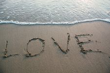 Free Love Sign On Sandy Beach Royalty Free Stock Photography - 88492257