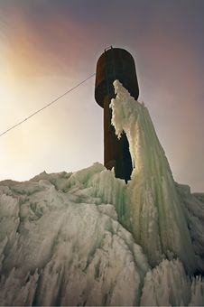 Free Arctic Landscape With Frozen Tower Stock Photos - 8850753