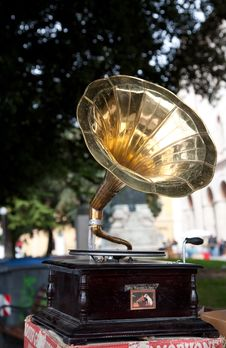 Free Old Wooden Gramophone Stock Photography - 8853552
