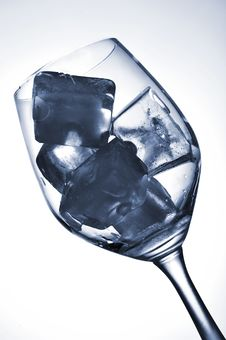 Free Ice Cube In Glass Stock Images - 8855444
