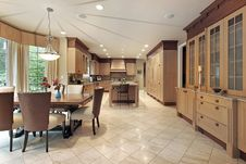 Free Large Wood Kitchen Stock Images - 8857184