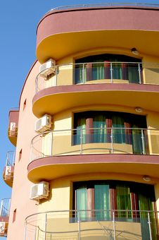 Free Colorful  Hotel Royalty Free Stock Photography - 8859367