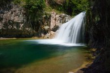 Free Waterfall Trail On Fossil Creek Royalty Free Stock Images - 88560249