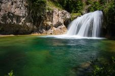 Free Waterfall Trail On Fossil Creek Royalty Free Stock Photos - 88560548