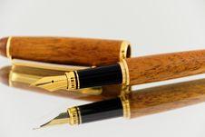 Free Elegant Fountain Pen Stock Photos - 88563473