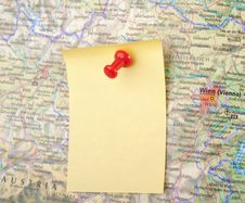 Free Yellow Note And Red Pin On Map Stock Photo - 8861650