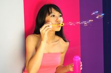 Free Beautiful Chinese Girl Having Fun With Bubbles Royalty Free Stock Image - 8861766