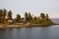 Free Waterfront Homes Near Seattle Royalty Free Stock Image - 8861856