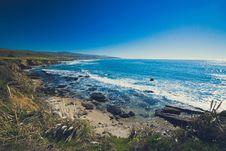 Free Rocks On Seashore Under Blue Sky Stock Photo - 88627400