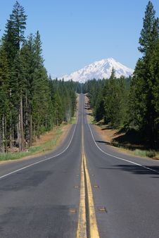 Free Touring The Volcanic Scenic Byway, California Stock Photo - 88692700