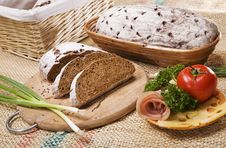 Free Bread With Vegetables And Bacon Royalty Free Stock Photography - 8870027