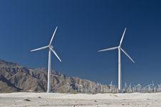 Free Wind Generators In The Desert Royalty Free Stock Photos - 8870348
