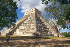 Free Kukulkan S Pyramid - El Castillo Royalty Free Stock Photos - 8875328