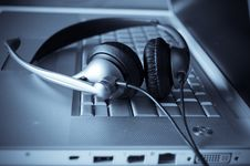 Free Close Up Of Keyboard And Headphones Royalty Free Stock Photo - 8876535