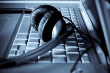 Free Close Up Of Keyboard And Headphones Royalty Free Stock Photos - 8876538