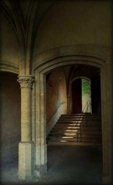 Free Beige Stone Stairway By Brown Door Royalty Free Stock Image - 88754436