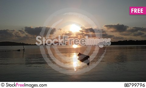 Free Boat In Front Of Ko Na Thian And Ko Mat Lang Islands During Sunrise On Koh Samui Island, Thailand. Royalty Free Stock Image - 88799796