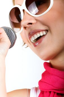 Free Singing Young Woman Royalty Free Stock Photos - 8881538