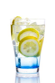 Free Fresh Drink With Lemon Royalty Free Stock Photography - 8881697