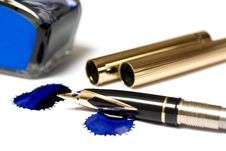 Free Filling Of An Ink Pen Royalty Free Stock Photo - 8882675