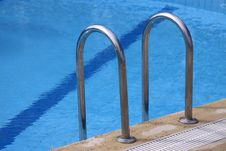 Free Swimming Pool Ladder Stock Photography - 8883532