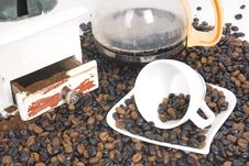 Free Cup Of Coffee Over Coffee Grain With Coffee Pot Stock Image - 8885431