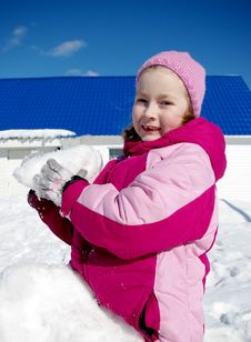 Free Game Of Snowballs Royalty Free Stock Image - 8886046