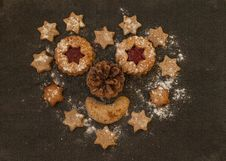Free Christmas Cookies And Gingerbread Stock Photography - 88813342