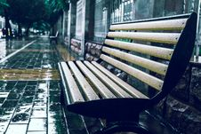 Free Bench In Rain Stock Photos - 88813733