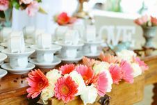 Free Set Of Coffee Cups And Flower Arrangement Royalty Free Stock Photos - 88814728