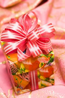 Free Pink Gift Box On Silk Royalty Free Stock Photo - 8896895