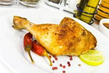 Free A Big Chicken Leg- Roasted With Red Peppers Royalty Free Stock Photos - 8899838