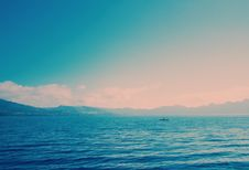 Free Sea And Mountains Stock Images - 88986264