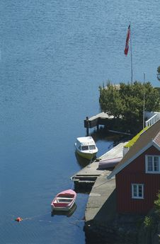 Free Summer House And Boats In The South Of Norway Stock Image - 891631