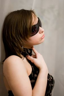 Free Girl In Dark Sunglasses Royalty Free Stock Photography - 8903567