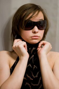 Free Girl In Dark Sunglasses Royalty Free Stock Photography - 8903587