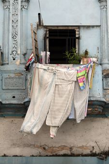 Free Clothes Dried On Balcony Royalty Free Stock Photography - 8907507