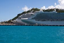 Free Cruise Ships Royalty Free Stock Photography - 8907917