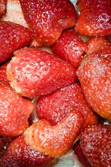 Free Strawberries In Sugar Royalty Free Stock Images - 8908749