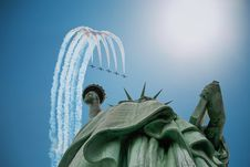 Free Airplanes Over Statue Of Liberty Stock Photos - 89059973