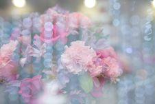 Free Flower Arrangement Royalty Free Stock Photography - 89060447