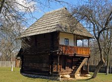 Free Peasant S House In Gorj Royalty Free Stock Photography - 8912687