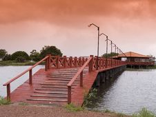 Free Red Wooden Bridge Royalty Free Stock Photography - 8914747