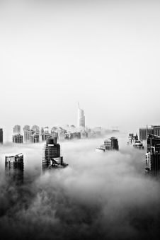 Free Clouds Over Dubai Royalty Free Stock Photography - 89130287