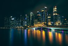 Free Singapore Waterfront Skyline At Night Royalty Free Stock Photo - 89194575