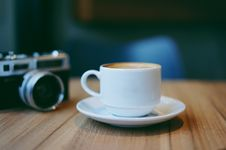Free Coffee Cup And Camera Stock Photo - 89194920