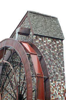 Free Isolated Giant Water Wheel For A Old Mill Royalty Free Stock Photography - 8923357