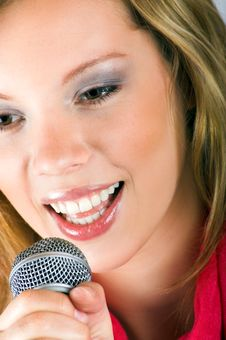 Free Singing Young Woman Royalty Free Stock Image - 8924896