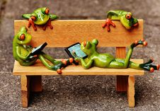 Free Bench With Frogs Royalty Free Stock Photography - 89250177