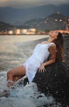 Free Woman In White Dress Relaxing In Sea Royalty Free Stock Photography - 89251577